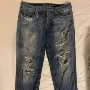 American Eagle Destroyed Tomgirl Stretch Jeans 10